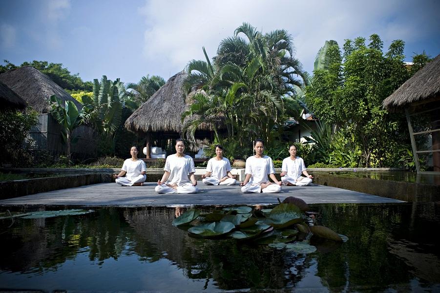 Meditation_at_Six_Senses_Spa